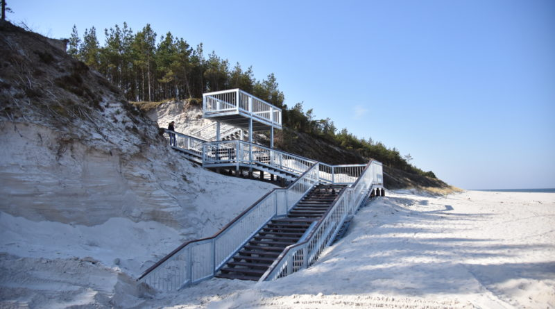 Nowe schody w Białogórze